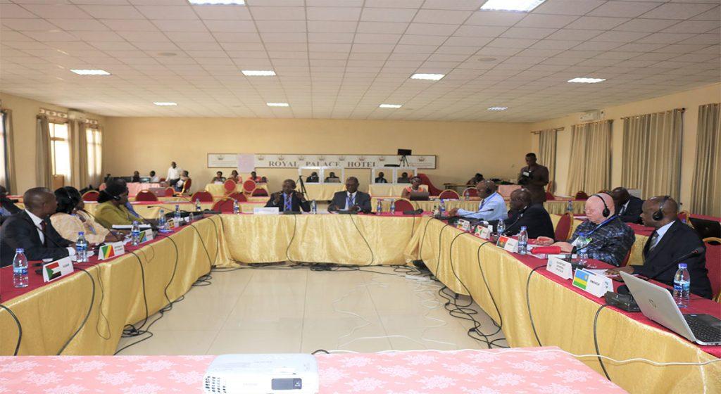 Commissions - Forum des Parlements de la CIRGL